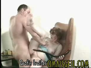 oma porno incest gratis films